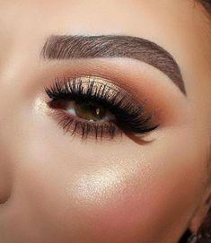 eyeliner – Great Make Up Ideas Simple Eye Makeup, Natural Eye Makeup, Eye Makeup Tips, Cute Makeup, Gorgeous Makeup, Makeup Inspo, Makeup Inspiration, Makeup Ideas, Cheap Makeup