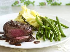 Weihnachtsessen mit Fleisch - feine Braten, Filet & Co. - rindermedaillon-in-riojasosse  Rezept