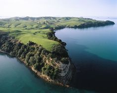 Motutapu Island is in Auckland Harbour. Islands named Motutapu (sacred island) are found throughout Polynesia, and generally stand at the entrance to main harbours. They were used by ocean travellers as safe resting places. Polynesian People, New Zealand Houses, Image News, South Island, National Museum, Pacific Ocean, Auckland, Kiwi, The Locals