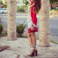 #esteesmilook #lookbook #looks #lifestyle #life #bloggerlife #bloggerstyle #blogger #bloggers #instacool #instafollow #instalike #moda #fashionblogger #fashion  #stripes #stylebloggers #happiness @calvinklein @paruolo @street_style_paris #kissmylook