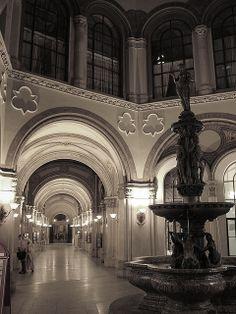 Freyung Passage, Palais Ferstel, Freyung/Herrengasse, Vienna, Austria all sculptures by Anton Dominik von Fernkorn and unveiled in 1861