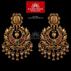 Mesmerizing collection of gold earrings from Kameswari Jewellers. Shop for designer gold earrings, traditional diamond earrings and bridal earrings collections online. Gold Jhumka Earrings, Buy Earrings, Jewelry Design Earrings, Gold Earrings Designs, Gold Jewellery Design, Antique Earrings, Gold Jewelry, Chand Bali Earrings Gold, India Jewelry