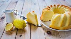 Nebuďte bábovky a dopřejte sobě i šťastlivcům ve své blízkosti jednu totální klasiku: citronovo-tvarohovou bábovku. Je dokonale vláčná a mizí jako mávnutí proutku!