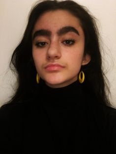 thick eyebrow aesthetic // @kyliepaii ♡