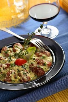 Veal recipes, such as a veal oscar recipe or veal parmesan recipe, are becoming more popular. Veal marsala recipe is another good one. The following recipe features delicious full bodied Californian cabernet sauvignon to enhance the delicious taste of the meat. You can use another full bodied red instead if you prefer.