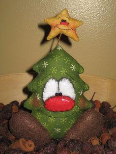 Christmas Crafts To Make, Christmas On A Budget, Felt Christmas Ornaments, Christmas Sewing, Christmas Makes, Primitive Christmas, Handmade Christmas, Christmas Holidays, Christmas Decorations