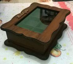 Linda caixa de relógio com um design inovador e moderno para deixa seus relógio organizados e protegido.( TODAS AS CAIXA ACOMPANHA AS ALMOFADINHAS)    Fazemos conforme o gosto do cliente