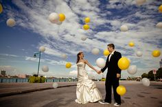 Storm of balloons - Wet Fresco Photography - wetfresco.com