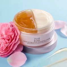 Lip Scrub Diy Discover For next-level overnight hydration Deep hydration for petal-soft skin: Shop the Rose skincare collection at Sephora Body Shop At Home, The Body Shop, Beauty Care, Beauty Skin, Beauty Style, Face Beauty, Face Care, Body Care, Beauty Secrets