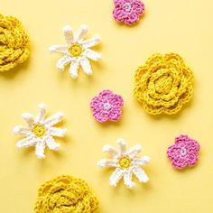 Free crochet flower patterns | Garnknuten | Here you'll find free patterns for these cute crochet flowers! #crochet #free #patterns #flower Crochet Flower Patterns, Crochet Patterns Amigurumi, Crochet Flowers, Crochet Appliques, Cute Crochet, Crochet Yarn, Crochet Toys, Half Double Crochet, Single Crochet