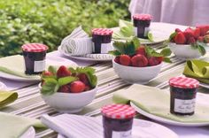 how cute would bowls of strawberries be as centerpieces for guests to snack on and strawberry jam as a favor to take home!