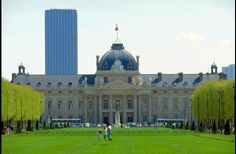 The École Militaire is a vast complex of buildings housing various military training facilities located in the 7th arrondissement of Paris, France, southeast of the Champ de Mars.