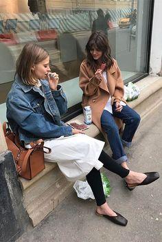 Ein schickes, bequemes Outfit für dieses Wochenende Un outfit chic e confortevole per questo fine settimana comfy outfit Outfits Casual, Mode Outfits, Outfit Chic, Comfy Outfit, Black Women Fashion, Womens Fashion, Style Parisienne, Vanz, Look Street Style