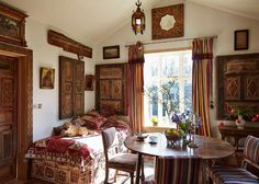 Wiltshire | Interior Design | Robert Kime | Uniquely Among Decorators | Eminence In The Profession Via Antique Dealing