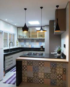 This Small Kitchen Design Makes Everything Easier « lancarbisnis. Kitchen Room Design, Modern Kitchen Design, Interior Design Kitchen, Kitchen Decor, Small Kitchen Set, Small Apartment Kitchen, Modern Kitchen Interiors, Minimalist Kitchen, Minimalist Baby