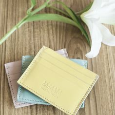 Simple card holder in leather slips easily into a pocket by Akusara Journal. It holds credit cards, transport card or business cards in its three slots. Shop at LocalBrand.co.id