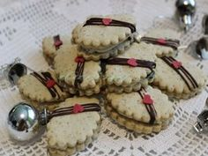 Linecké sedmoro - obrázok 4 Italian Cookie Recipes, Italian Cookies, Baking Recipes, Christmas Sweets, Christmas Cookies, Czech Recipes, Cookie Jars, Macarons, Biscuits