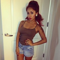 Amazed how she got so fit....If she did it I CAN TOO!!!Nicole Snooki Polizzi - Duck Face Pose