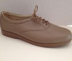 SAS Shoes Womens Size 10 M Beige Lace Up Oxford 10M Made in USA #SAS #Oxfords #WeartoWork
