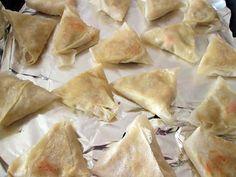 recette bricks au thon;  surimi  idée de créations @marie Spanakopita, Marie, Cheese, Ethnic Recipes, Foodies, Food, Cooking Food, Recipes