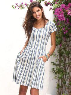 Este vestido de punto estampado con originales rayas verticales es ultra cómodo y femenino. Disfruta de una propuesta original luciendo este vestido de - Venca - 144939