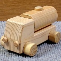 Wood Kids Toys, Wood Toys, Wooden Projects, Wood Crafts, Wooden Toy Trucks, Wood Worker, Bottle Crafts, Handmade Toys, Wood Art