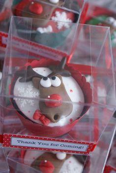 so cute...holiday cupcake