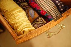 4 Scarf Storage Methods + Other Tips and Tricks http://www.scarves.net/blog/scarf-storage