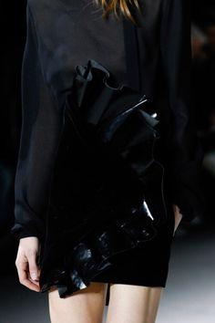 cool Inspiration Mode - Saint Laurent - Fall 2017 Ready-to-Wear Source:Voguerunway.com