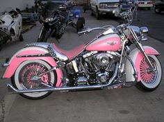4 Eloquent Cool Tips: Harley Davidson Women Headbands harley davidson women headbands.Harley Davidson Home Decor How To Make harley davidson baggers road king. Motos Harley Davidson, Classic Harley Davidson, Harley Fatboy, Harley Bikes, Harley Davison, Moto Rose, Motos Vintage, Pink Motorcycle, Harley Davidson Wallpaper