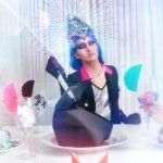 Nona Chalant - Madame Flamboyance. Mirrored Sunglasses, Sunglasses Women, Fashion, Moda, Fashion Styles, Fashion Illustrations, Fashion Models