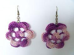 Flower crochet earrings... Free pattern!!