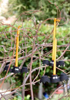 Egg carton BATS craft...Idea File, can use for CHOICE board in garden center Choose to make a bat, a bee, a bird, a lady bug, a snail (bet not a slug!)