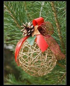 Decorativas esferas navideñas con hilos Más