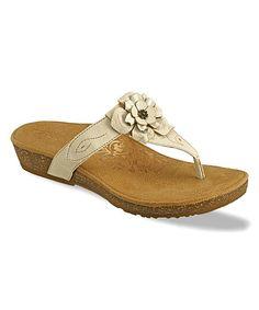 c0c023ce036 Aetrex Antique White Emily Rose Leather Sandal Sandalias