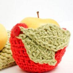 "Adorable!!  Crochet ""Apple"" Apple Cozy -- Looksi is become crochet central!"