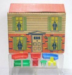 Louis Marx Co Inc Cardboard Playhouse Model 4650 w Furniture