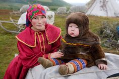 kristina neyva, a young khanty woman, in the polar ural mountains | yamal, western siberia, russia | foto:   bryan & cherry alexander
