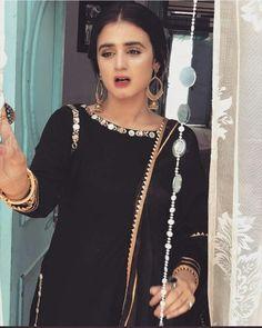 She is just a queen of elegance. Stylish Dpz, Stylish Girl, Mahira Khan, Ayeza Khan, Hira Mani, Profile Picture For Girls, Arabic Mehndi Designs, Cute Girl Photo, Indian Designer Outfits