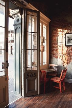 What a great entryway for a cafe
