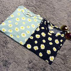 http://www.aliexpress.com/store/product/2014-summer-women-s-vintage-all-match-little-daisy-flower-female-short-sleeve-t-shirt-short/621102_1883538267.html