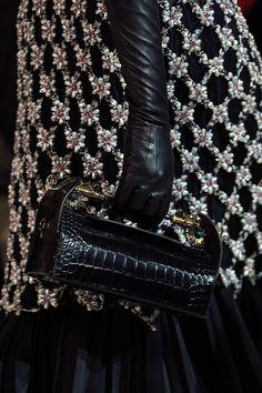 Lanvin Fall 2020 Ready-to-Wear Collection - Vogue Lanvin, Dark Fashion, White Fashion, Luxury Fashion, Fashion Week, Fashion 2020, Fashion Outfits, Runway Fashion, Fashion Trends