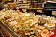 French Cheese Tasting-My next inspiration for a house party :) (Once I own a house and have a night away from the baby! French Cheese, Cheese Tasting, Tasty, Yummy Food, House Party, Senior Year, Beverage, Recipes, Chicago