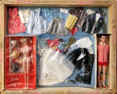 Barbie and Ken Trousseau Gift Set. Vintage Barbie Kleidung, Vintage Barbie Clothes, Vintage Toys, Vintage Costumes, Play Barbie, Barbie And Ken, Barbie Barbie, Barbie Stuff, Gifts For 3 Year Old Girls