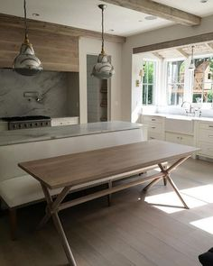 Kitchen x-leg table and banquette. Gorgeous new kitchen with Kitchen x-leg table and banquette. Kitchen Banquette, Kitchen Island Table, Banquette Seating, Kitchen Table Makeover, Cuisines Design, Interior Design Kitchen, New Kitchen, Home Kitchens, Kitchen Remodel