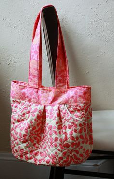 Quilted Purse with Pleats Pink Cream and by BarefootBagShop