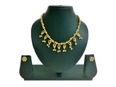 Beautiful necklace sets online