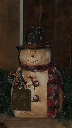 Primitive Grungy Snowman <3