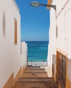 armação de pêra, algarve,  @guilhermecapelo. Algarve, Sea Activities, Portugal Holidays, Ocean House, European Vacation, Beautiful Places To Visit, Spain Travel, Portuguese, The Good Place