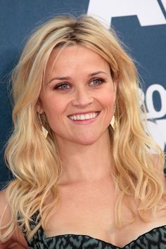 Loose, textured waves are a quick way to add volume and life to fine locks; plus, they're so easy to achieve. #ReeseWitherspoon #hairstyles